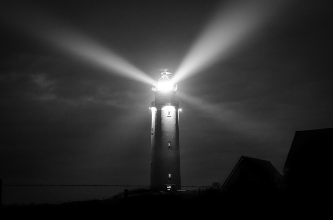lighthouse-3013051_1920